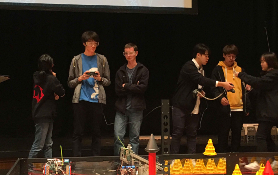 Saint Maur Compete in VEX Robotics Tournament